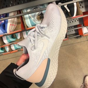 Nike epic react fly knit
